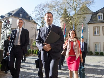 Xavier Bettel et les membres du Gouvernement avant l'Entrevue du Gouvernement avec les partenaires sociaux a Luxembourg, le 23 Avril 2015. Photo Chris Karaba