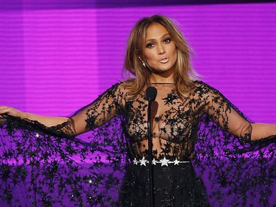 Host Jennifer Lopez performs during the 2015 American Music Awards in Los Angeles, California November 22, 2015.  REUTERS/Mario Anzuoni