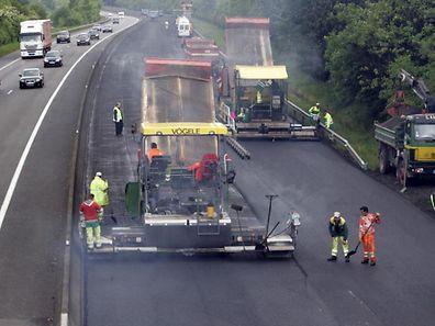 Die Autobahn wird wegen Asphaltarbeiten gesperrt.