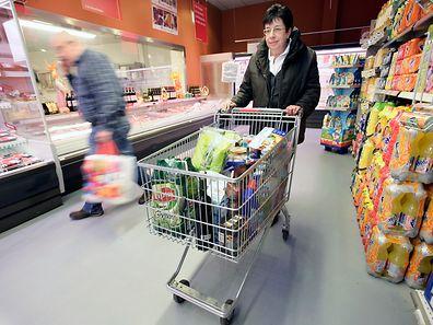 """Laut dem Marktforschungsunternehmen GfK gehen die Verbraucher davon aus, dass die Konjunktur in Deutschland """"mindestens einen Gang zurückschalten dürfte""""."""