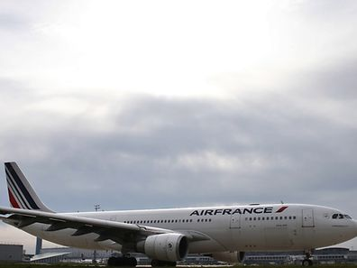 Trotz der Proteste will Air France 2900 Arbeitsplätze abbauen.
