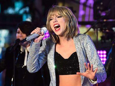 Ihr Motto: Shake it off! Taylor Swift macht sich keine Gedanken um die Leute, die ihr im Internet das Leben vermiesen wollen.