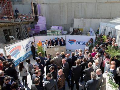 Ce mercredi 22 avril 2015 a eu lieu la cérémonie de pose de la première pierre du projet Kons, futur siège d'ING Luxembourg.