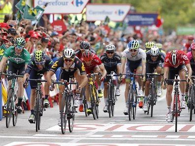 Kristian Sbaragli (3.v.l.) hat die Topsrinter auf der zehnten Etappe überrascht.