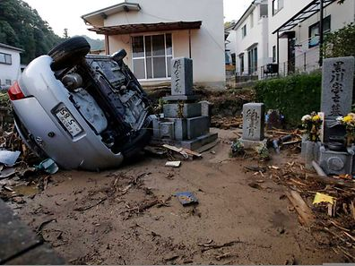 Der Erdrutsch sorgte für zahlreiche Schäden.