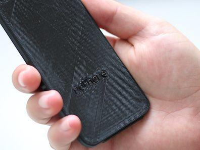 Le NoPhone reprend la forme d'un véritable smartphone