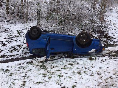 Der Fahrer dieses Wagens hatte Glück und wurde nicht verletzt.