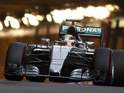 Lewis Hamilton auf der Strecke in Monaco.