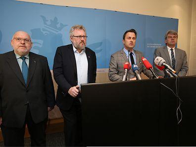 Patrick Dury (LCGB), Jean-Claude Reding (OGBL), Xavier Bettel, Romain Wolff (CFGP) (l.t.r.)