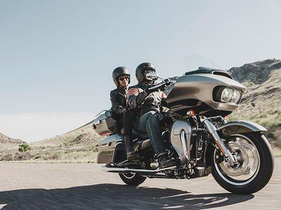 Für Reisen zu zweit: Harley Davidson ergänzt das Tourer-Angebot 2016 um die Road Glide Ultra.
