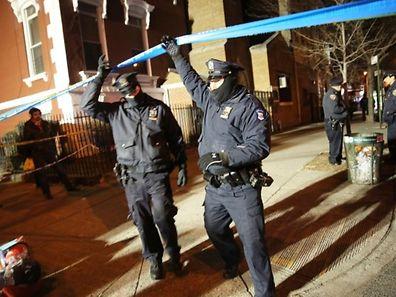 L'attaque a eu lieu à Brooklyn, dans le quartier de Bedford Stuyvesant dans le contexte de manifestations à répétition à New York, après la récente décision d'un grand jury de ne pas poursuivre un policier impliqué dans la mort d'Eric Garner.