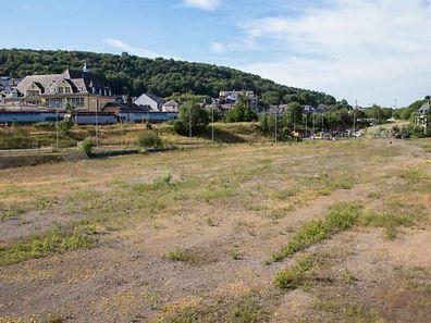 Nahe des neuen Stadteinganges von Differdingen sollte das Auchan Projekt verwirklicht werden.
