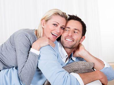 Bien connaître une personne avec de se mettre en couple avec elle permet de se concentrer sur d'autres atouts que les attributs physiques.