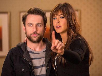 """Jennifer Aniston (r.) gibt im zweiten Teil der """"Horrible Bosses"""" wieder alles."""