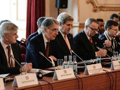 le secrétaire d'Etat américain John Kerry, patron de la diplomatie américaine, a coprésidé avec son homologue britannique Philip Hammond la rencontre londonienne.