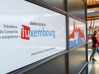 Panneaux affichés en gare de Luxembourg, le 30 juin 2015