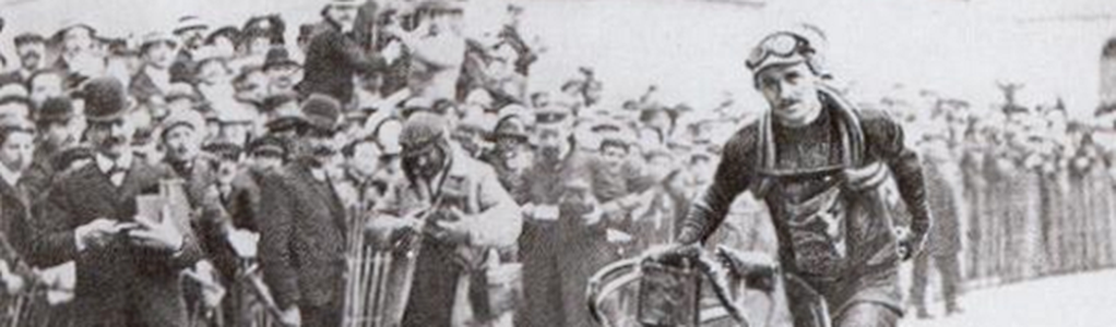 François Faber läuft als Sieger ins Ziel der Etappe Belfort-Lyon der