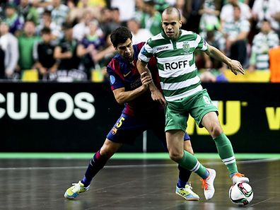 Barcelona futsal player Gabriel (L) fights for the ball with Sporting CP futsal player Diogo (R) during the UEFA Futsal semi-final at Meo Arena in Lisbon, Portugal.  April 24, 2015. MIGUEL A. LOPES/LUSA