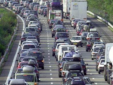 Für die deutschen Autobahnen sollen künftig die Ausländer zahlen.