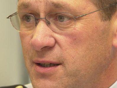 Jos Schmits Mandat als beigeordneter Generaldirektor der Polizei wird laut Ressortminister Schneider nicht verlängert.