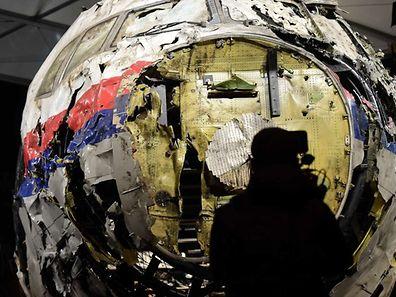 L'avion de Malaysia Airlines a été reconstitué et présenté lors du rapport final