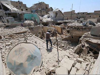 Die syrische Stadt Aleppo ist stark zerstört. Viele Bewohner haben aufgrund der andauernden Kämpfe das Weite gesucht.