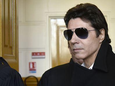 Jean-Luc Lahaye a été condamné pour avoir incité une mineure de moins de 15 ans à adopter, par webcam interposée, des attitudes pornographiques.