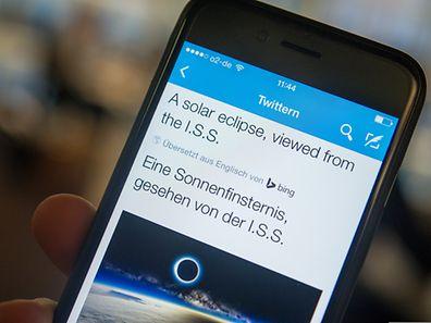 Twitters Übersetzungsdienst löst auch schwerere Fälle als diesen hier. Tweets in 40 Sprachen - von Arabisch bis Walisisch - können nun direkt in der App und im Web-Client übersetzt werden.