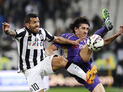 Carlos Tevez (l.) könnte zum Schlüsselspieler für Juventus werden.
