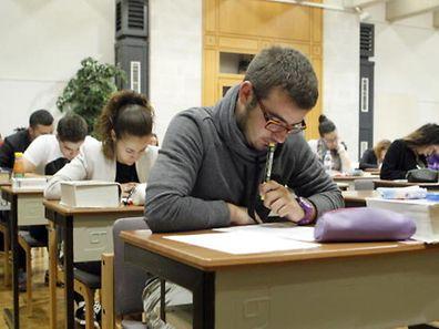 Die Schüler-und Studentenorganisation UNEL sieht nur wenig Zukunftweisendes in den Sparplänen der Regierung.