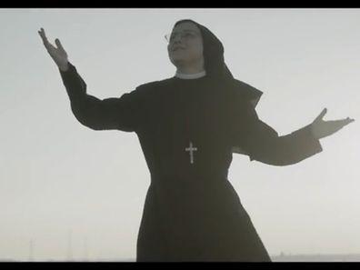 """Was Madonna wohl dazu sagt, dass ausgerechnet Ihr Hit """"Like a Virgin"""" von einer Nonne gecovert wurde?"""