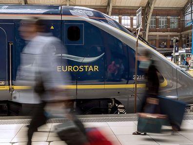 Ein Eurostar-Zug im Bahnhof Lille.