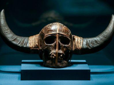 """Die Ausstellung """"Schädel - Ikone. Mythos. Kult"""" ist noch bis April 2016 im Weltkulturerbe Völklinger Hütte zu sehen."""