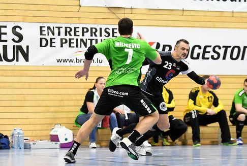 Im nationalen Handball: Gerechtes Unentschieden im Topspiel