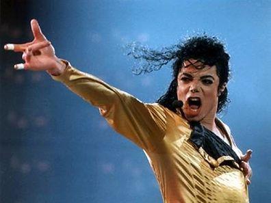 Des fans se battent encore pour le roi de la Pop.