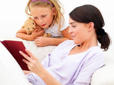 Auch wenn es schwerfällt: Die Krankheit sollte auf keinen Fall vor den Kindern verschwiegen werden.