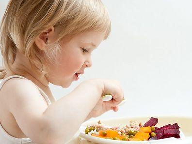 Pour encourager les enfants à manger des légumes, les parents doivent donner l'exemple, selon une experte