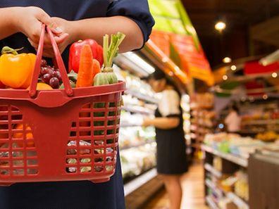 Im Vergleich zum Vormonat, haben sich Nahrungsmittel, Alkohol & Tabak um 0,1% verteuert.