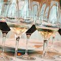 Die Mehrwertsteuer auf Bier und Wein steigt in Gaststätten ab 1. Januar 2015 von drei auf 17 Prozent.