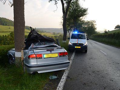 Dem 45-jährigen Fahrer aus Angelsberg konnten die Rettungskräfte nicht mehr helfen.