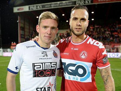 Maxime Chanot (r.) war mit Courtrai Laurent Jans (Waasland-Beveren) überlegen.