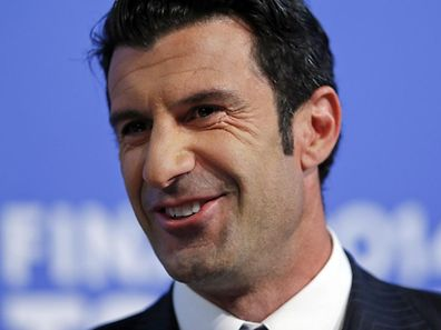Luis Figo runs for FIFA presidency.