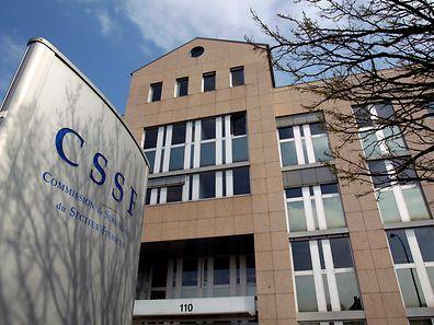 Hintergrund der Einstellungen seien zusätzliche Aufgaben und Verpflichtungen, hieß es bei der CSSF.