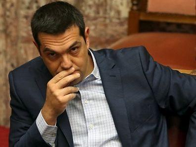 Le Premier ministre grec Alexis Tsipras au Parlement d'Athènes, vendredi.