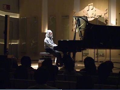 Ukrainian Lubomyr Melnyk claims he can play 19.5 notes per second!