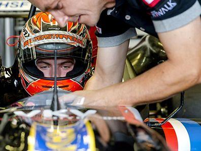 Max Verstappen a obtenu sa super-licence en bouclant plusieurs centaines de kilomètres récemment sur le circuit italien d'Adria.