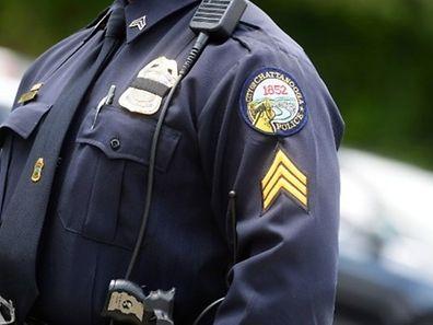 Le shérif du comté local de Jefferson, G.W. McCoig a indiqué lors d'une conférence de presse que le garçon avait été inculpé pour assassinat.