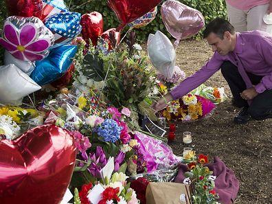 WDBJ TV  weatherman Leo Hirshbrunner at a makeshift memorial outside the television station's studios