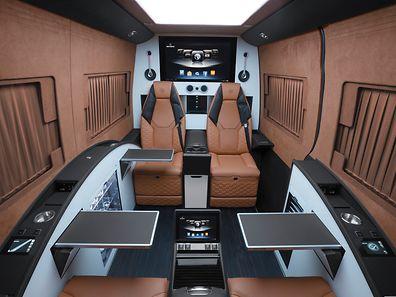 Mobiles Nobel-Büro mit Kino: Beim Ausbau des Mercedes Sprinter zieht der Autoveredler Brabus auf Wunsch alle Register.