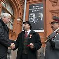 Lenin and Stalin impersonators in Moscow come to blows